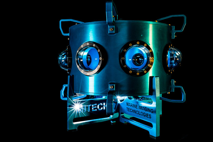 HYDRUS VR, a 8k underwater cinematic virtual reality system