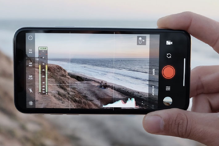 Moment Pro Camera: zebra stripes and focus peaking for smartphones