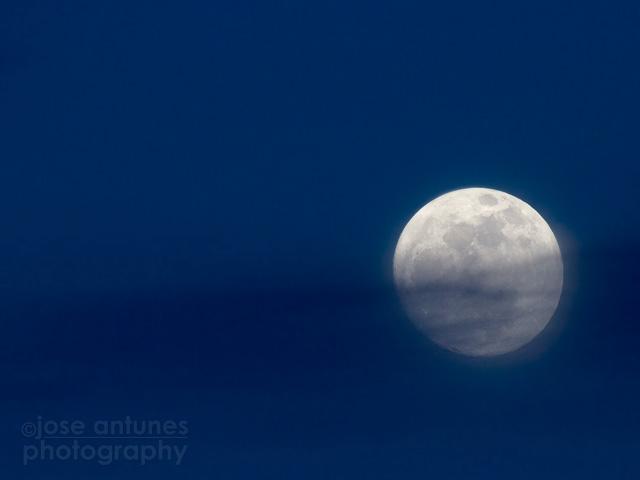 moon3d_JA001.jpg