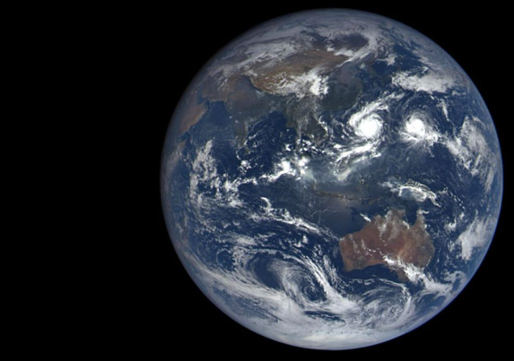 A dozen new photos of Earth, everyday 1