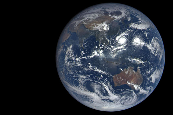 A dozen new photos of Earth, everyday 7