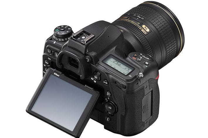 Nikon D780: a Z 6 mirrorless camera hidden inside a classic DSLR body 7