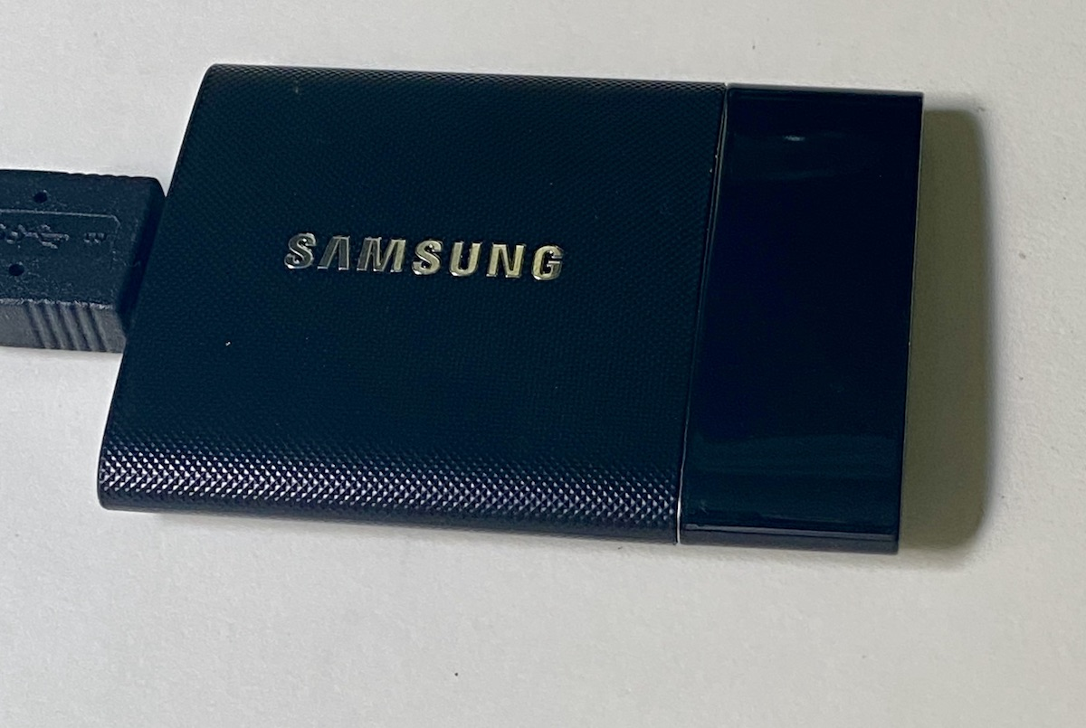 SSD drives and the Samsung Portable T7 SSD 4