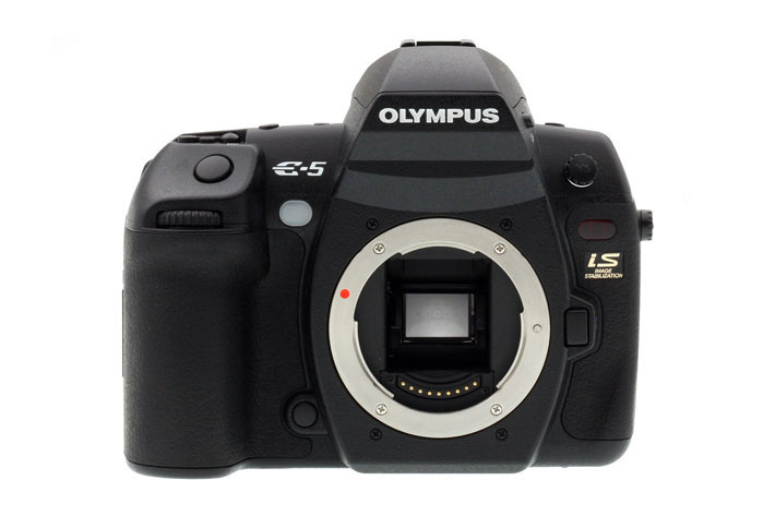 Olympus next E-M1X: a BIG camera for action photographers