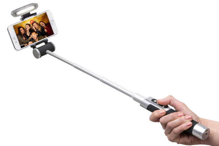 Pictar Smart-Light Selfie Stick: a new solution for smartphone vloggers 1