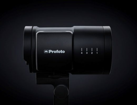 Profoto B10, a portable flash the size of a medium-sized zoom