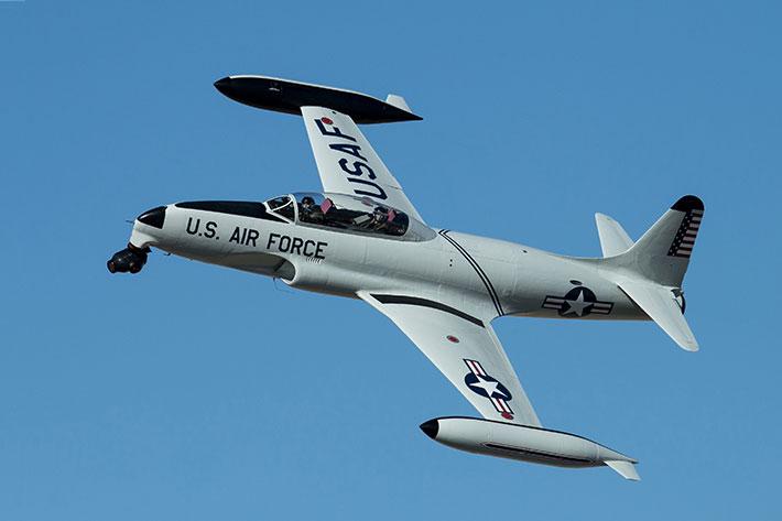 JETCAM, a movie camera system for aerobatic jets