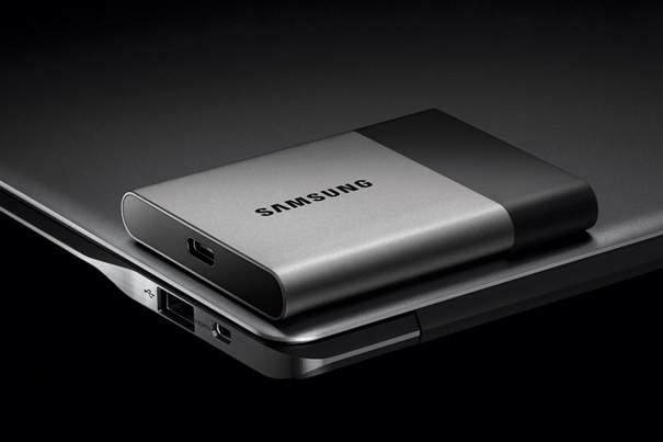 Samsung shows 2TB Portable SSD at CES 2016 1