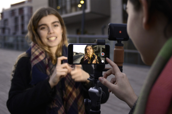Shoulderpod, rigs and grips for smartphones