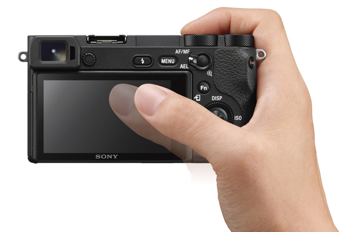 Sony α6500: 5-axis optical stabilizer 4K internal and touch screen