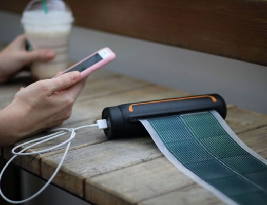 SOUL Solar Scroll: portable energy for smartphone filmmakers
