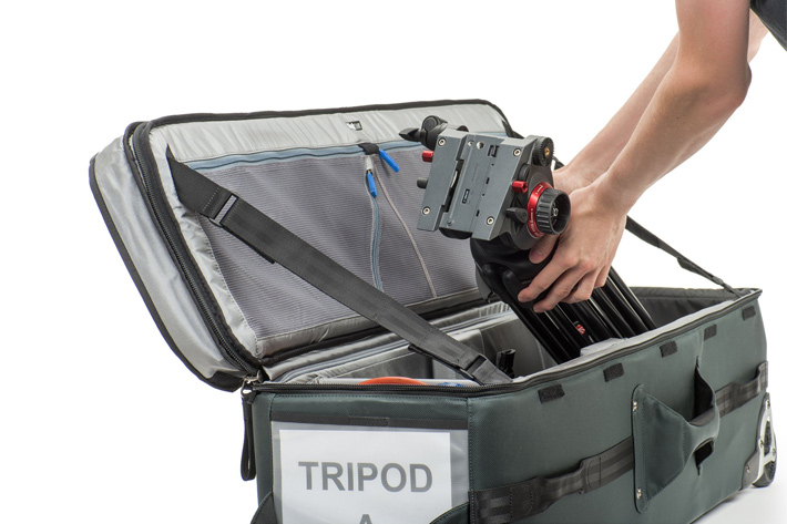 Video Tripod Manager 44: a rolling case for cinema tripods