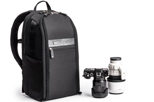 A Backpack for Mirrorless Systems 9